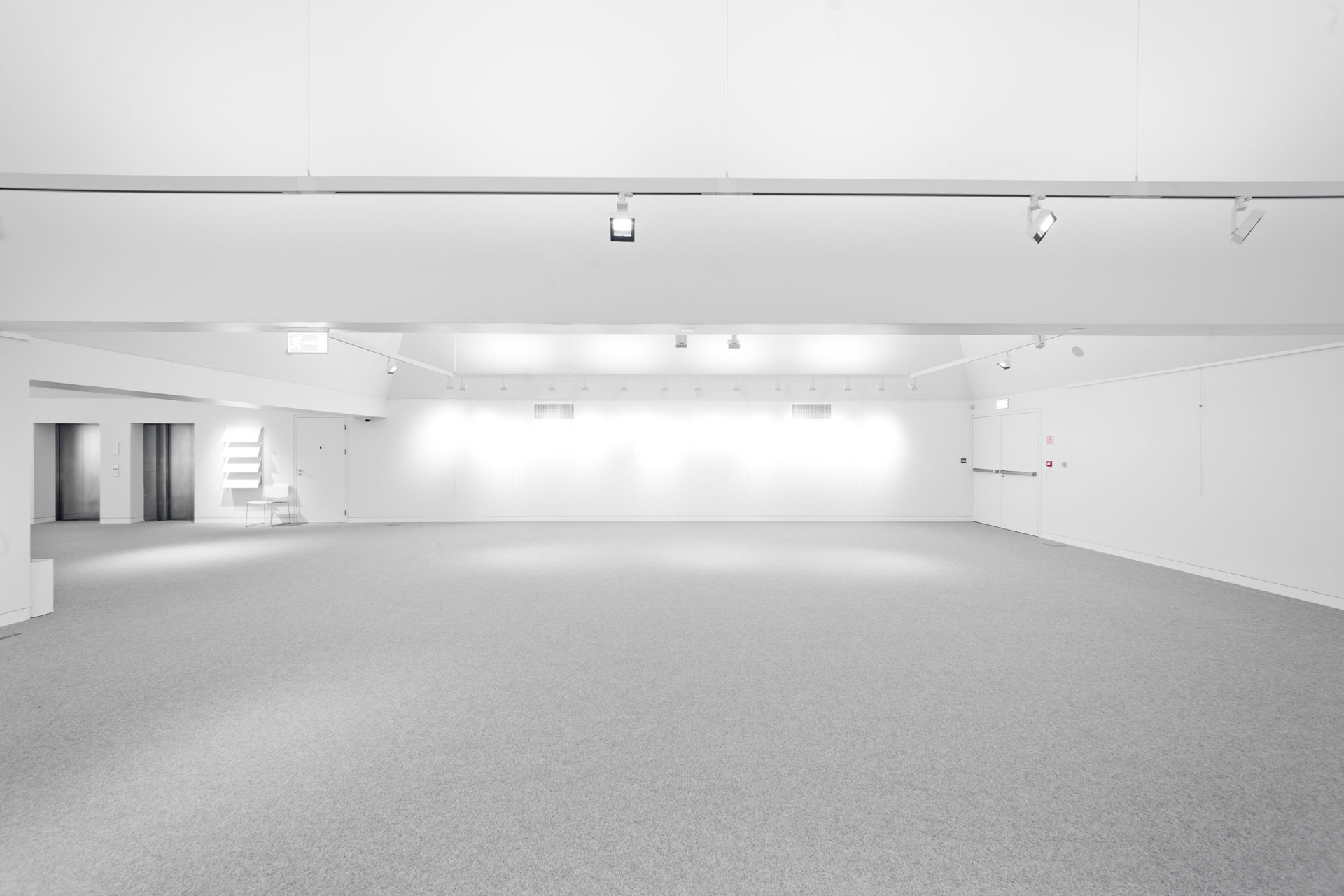 EXHIBITION SPACE – GALLERY LEVEL 4.